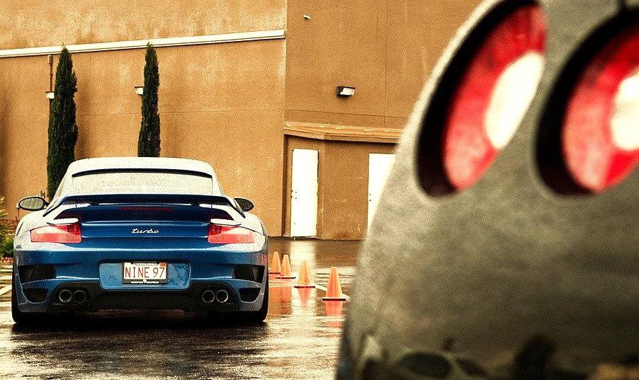 Porsche 911 Turbo and Nissan GT-R