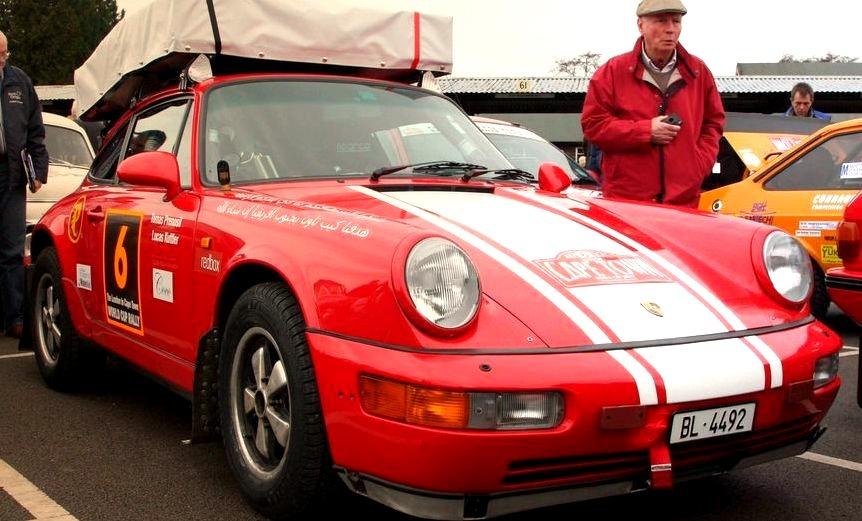 90 Porsche 911 Carrera 4