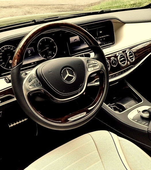 Mercedes-Benz S 500 (Instagram @rafael_weinberger)